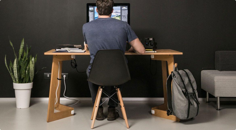 Karya Desk - Oak Tint www.playwood.it